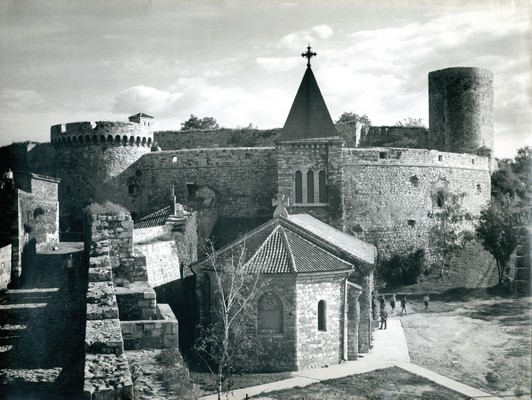 Church Ružica and tower in Kalemegdan, adjacent to the former mediaeval city wall from the period of despot Stefan Lazarević, IAB, Zf.