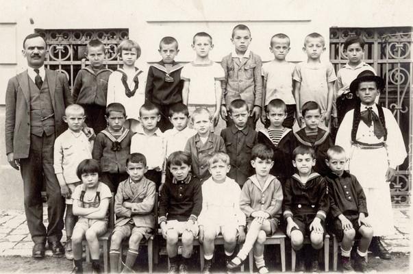 Учитељ и ученици Основне школе код Саборне цркве, ИАБ, Зф.
