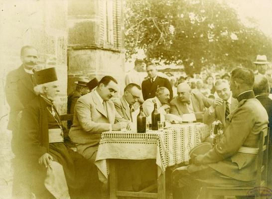 Др Миха Крек, министар, са др Миланом Стојадиновићем, председником владе Краљевине Југославије, приликом боравка у Приштини, око 1936, ИАБ, Пф Г.