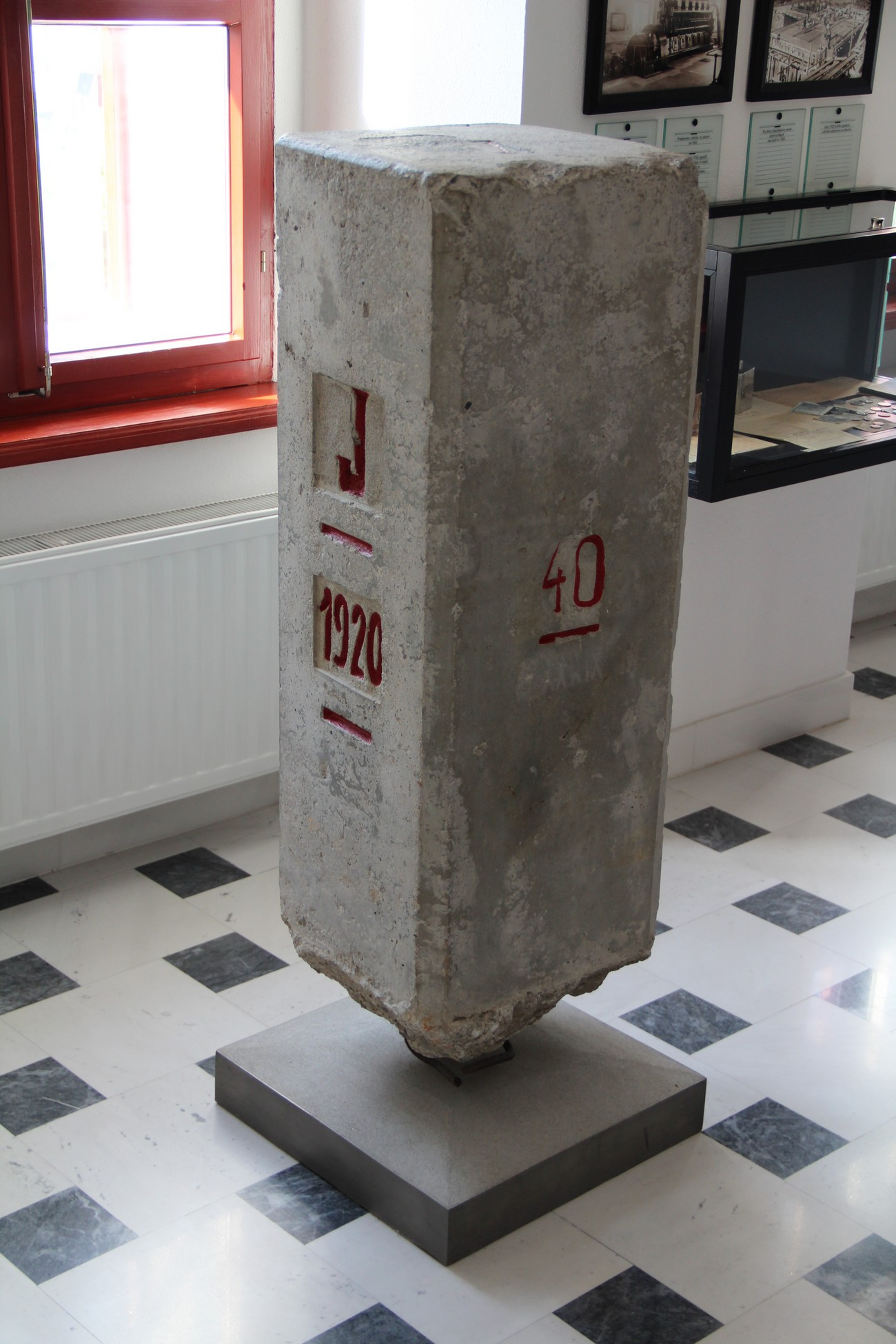 During World War II, boundary marker No. 40 of the Rapallo border in Spodnji Vrsnik became a tripoint marker between Germany, the Kingdom of Italy and the Province of Ljubljana, Italy's new occupation zone. Today this marker is kept by the museum Mestni muzej Idrija. Source: Idrija Municipal Museum, Author: Darko Viler.