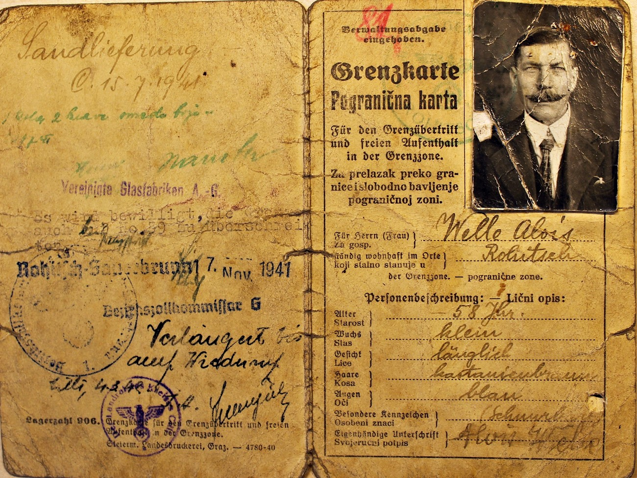 Example of a bilingual border pass (Grenzkarte). In addition to the official stamp of the district customs office, and the date of issue and validity, each permit also contained a description of its owner with information on age, occupation and place of employment. Archive of the RS.