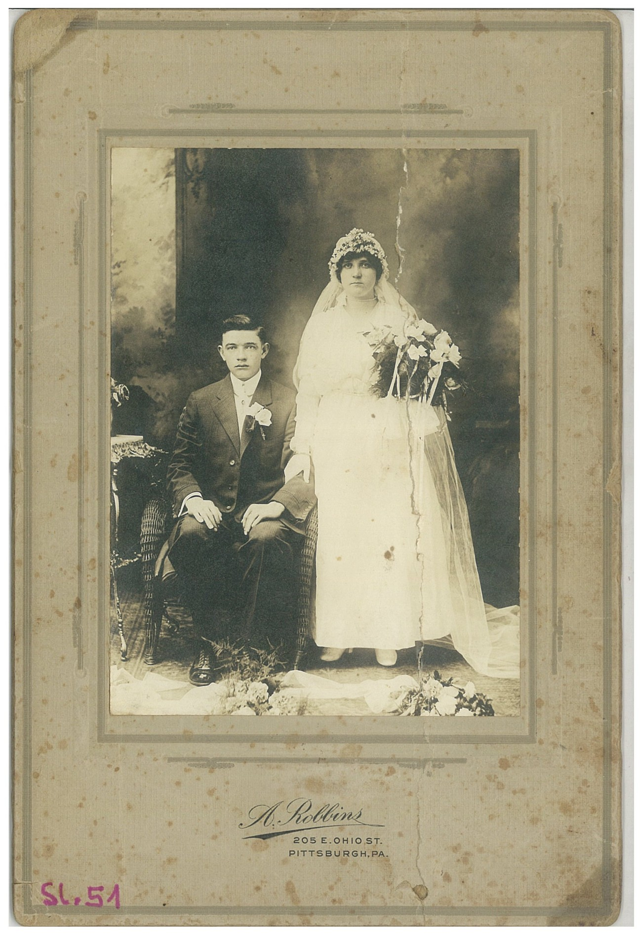 The wedding picture of Marko Čadonič and Frančiška Erdeljac; they were married on 30 May 1916 at the St Nicholas Church in Pittsburgh. Unknown photographer, private archive of Franc Čadonič.
