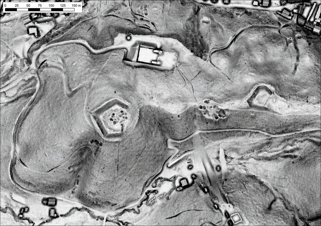 In July 1942 the Italians started to install artillery for the outer defense. It was placed in the strategic points of the city such as Rožnik Hill, Castle Hill and Studenci. LiDar image shows the remnants of artillery nest near Mostec on Rožnik hill, which protected the territory from Razori or the slopes of Polhograjsko hribovje hills all the way to the state border between Italy and Germany at Ježica. GIAM, Rok Ciglič