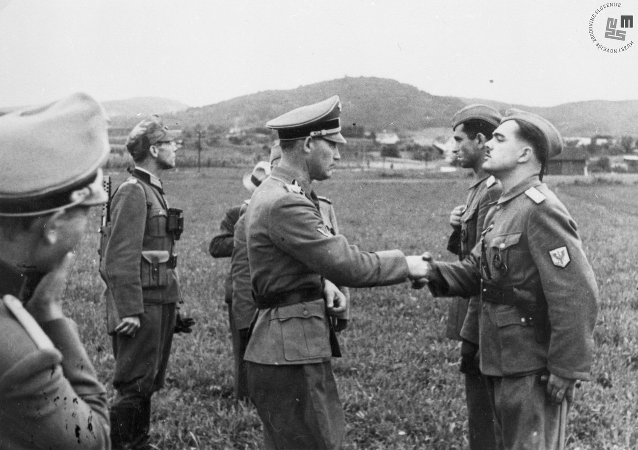 General Rösener awarded medals to members of Home Guard. MNZS.