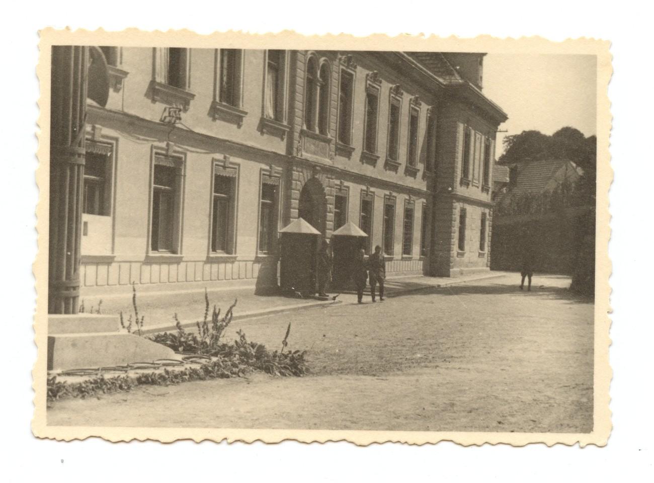 Sedež divizije Isonzo v novomeškem sodišču. Dolenjski muzej Novo mesto.