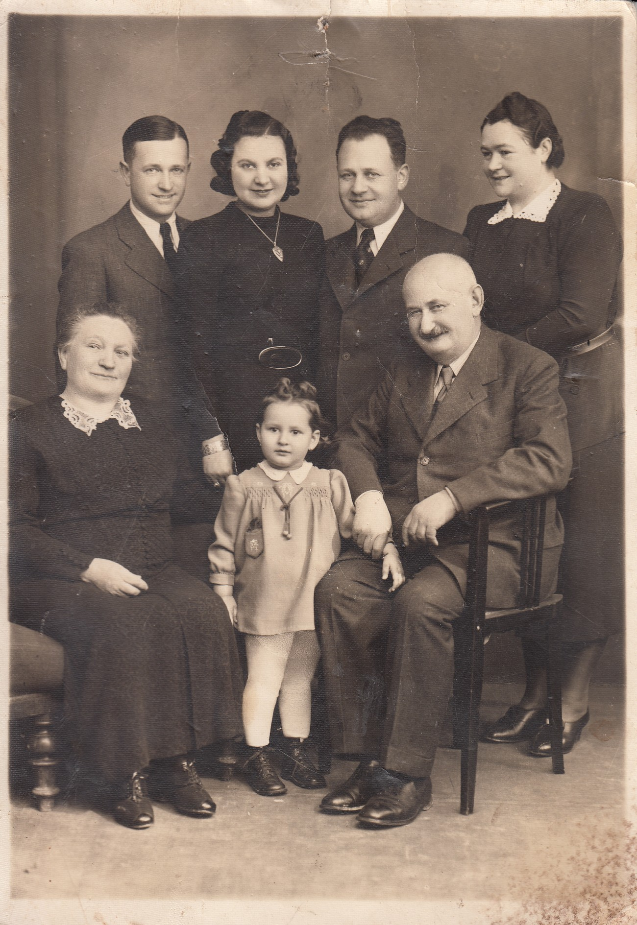 The Blau family from Lendava. Ludvik Blau (standing second from the right) survived the war. The photograph is kept by Renata Lešnjak.