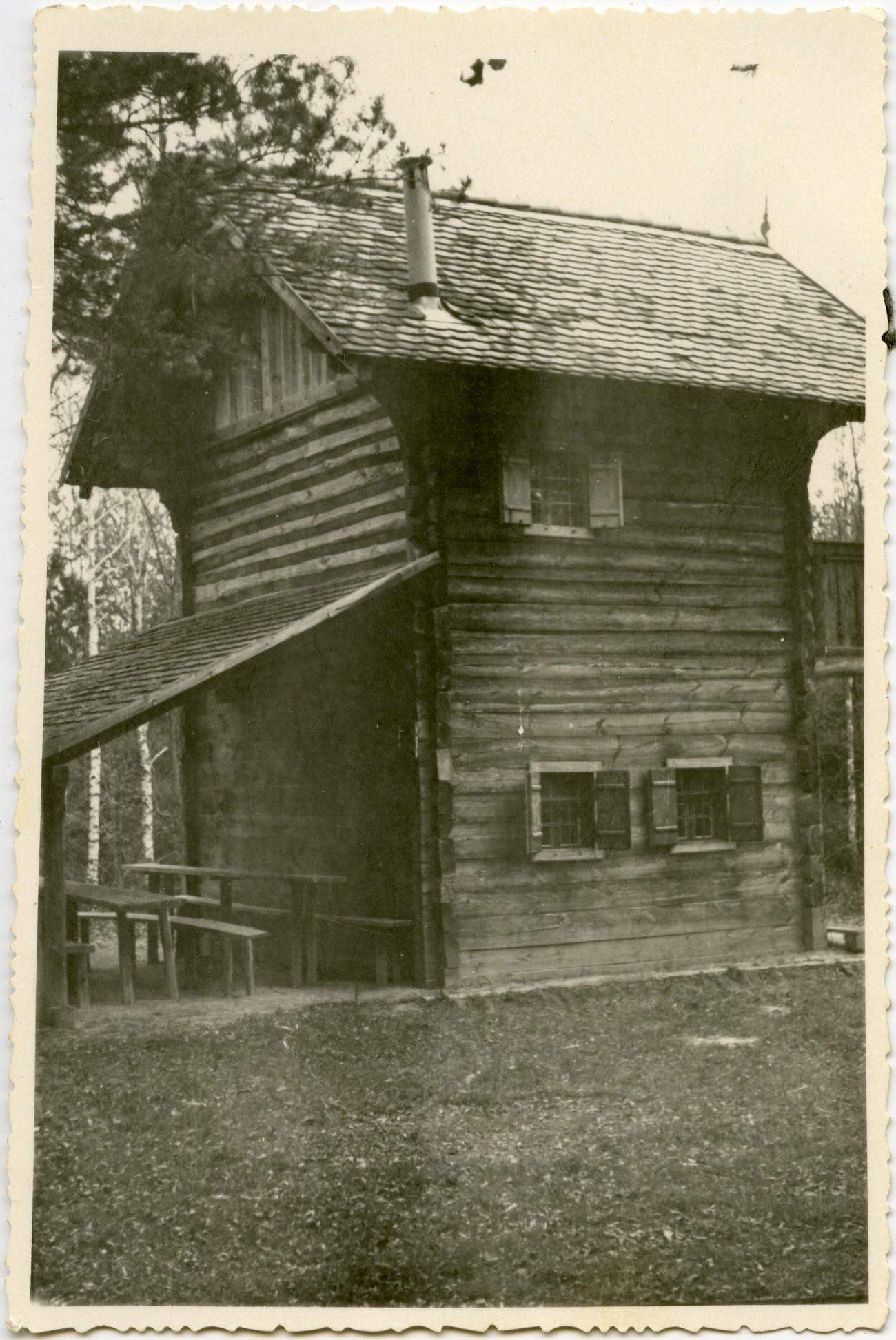 Voglerjeva koča v Bukovnici, kjer je v začetku leta 1945 bivala Prekmurska četa. PMMS.