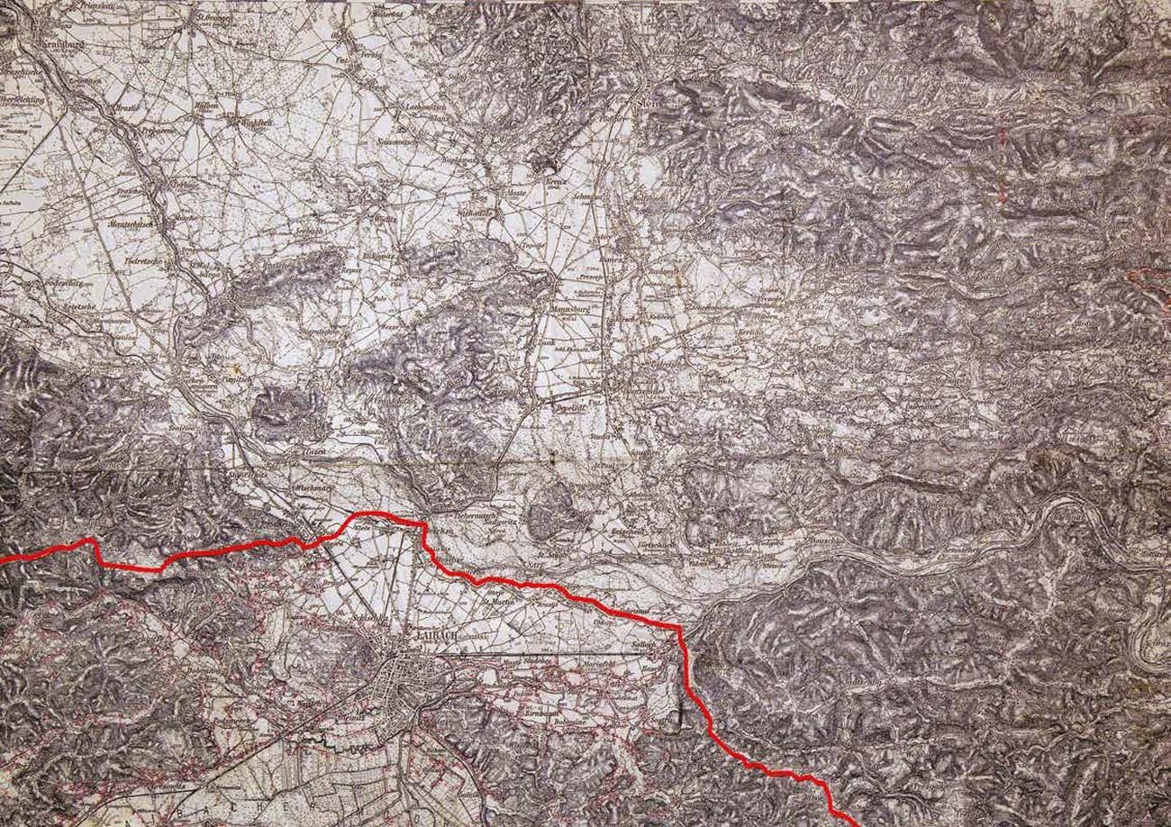 Ljubljana je po razdelitvi slovenskih ozemelj postala italijansko mesto ob nemško-italijanski meji. Na karti je viden potek meje, ki jo centralna mejna komisija določila 21. septembra 1941. Spezialkarte der Österreichisch-ungarischen Monarchie 1:75.000, list Laibach (5553). Hrani Geografski inštitut Antona Melika ZRC SAZU.
